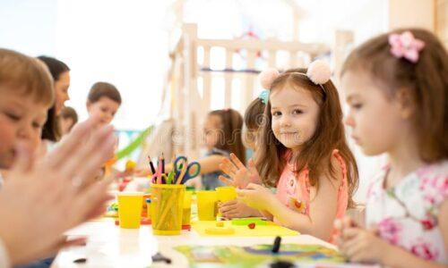 美术绘画大班和成人混合班 周六下午 3:15—4:00